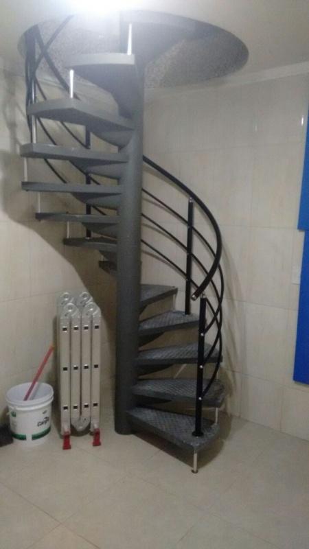 Corrimão de Alumínio para Escada Caracol em Pinheiros - Corrimão de Alumínio para Escada