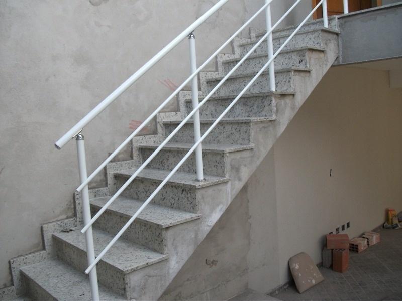 Corrimão de Alumínio para Escada Externa no Cambuci - Corrimão de Alumínio para Escada