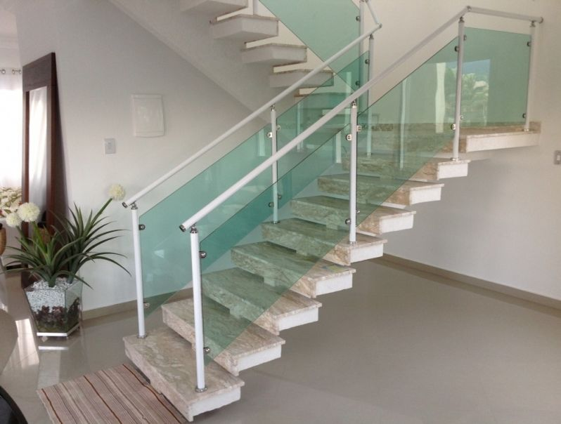 Corrimão Temperado em São Sebastião - Corrimão para Escada