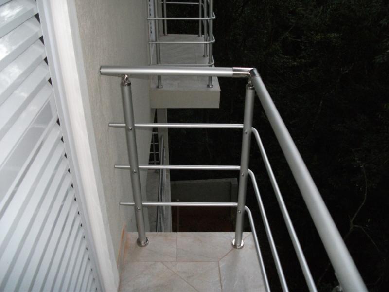 Corrimões de Alumínio Anodizado em Guarulhos - Corrimão de Alumínio para Escada
