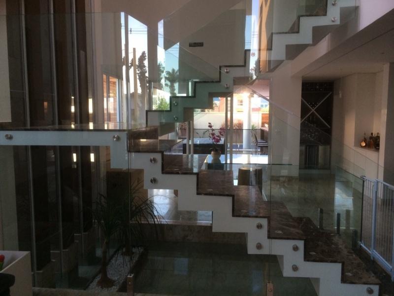 Empresa de Corrimão de Vidro em Ilhabela - Corrimão Curvo