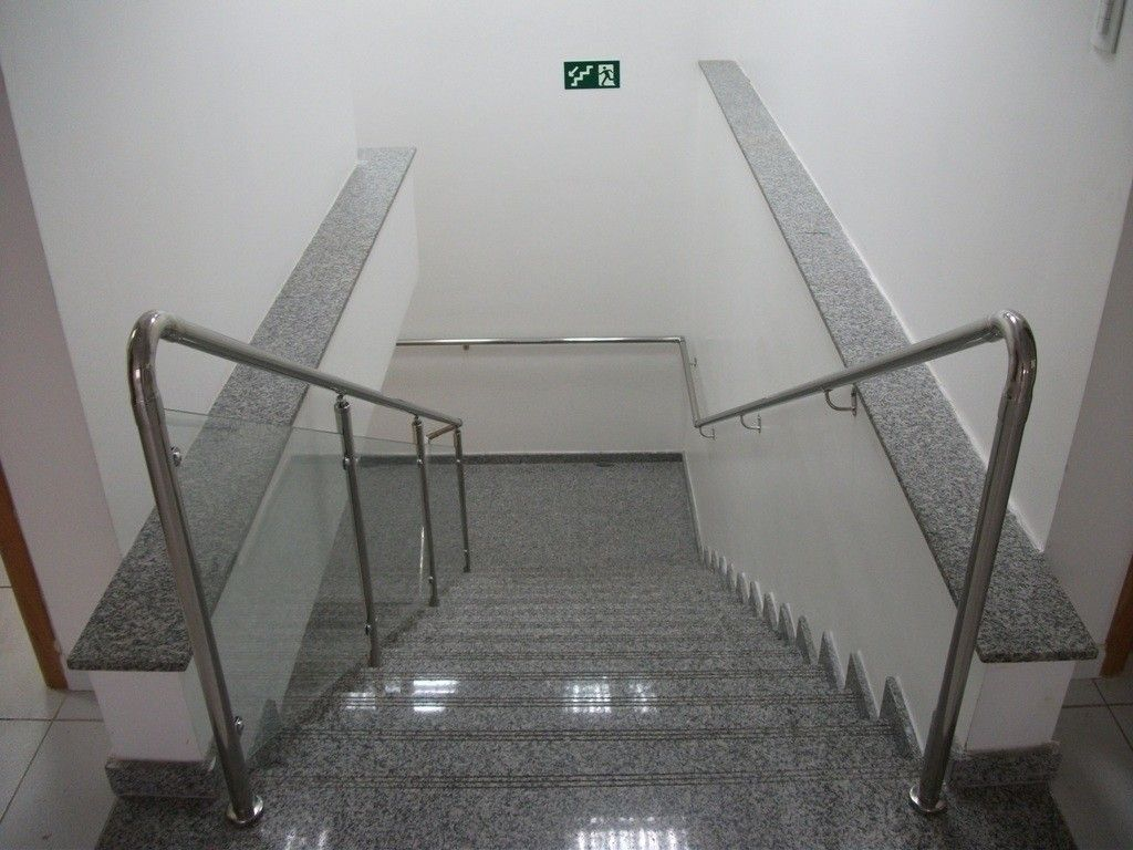 Fábrica de Corrimão de Vidro com Normas em Ilhabela - Corrimão para Escada