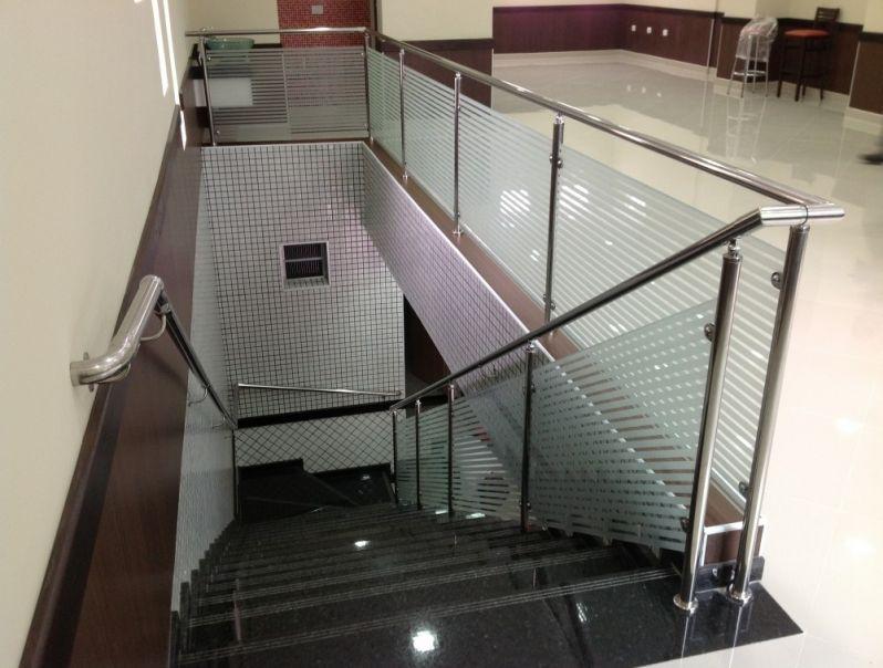 Fabrica Especializada em Guarda Corpo para Escadaria no Jockey Club - Guarda Corpo em Vidro e Inox
