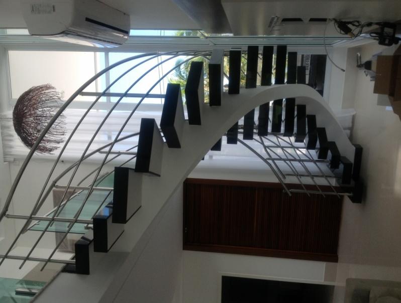 Instalação de Guarda Corpo de Inox para Escada em Riviera de São Lourenço - Guarda Corpo de Aço Inox Escovado