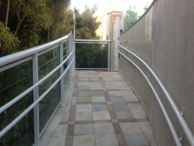 Quanto Custa Corrimão com Normas no Arujá - Corrimão para Escada