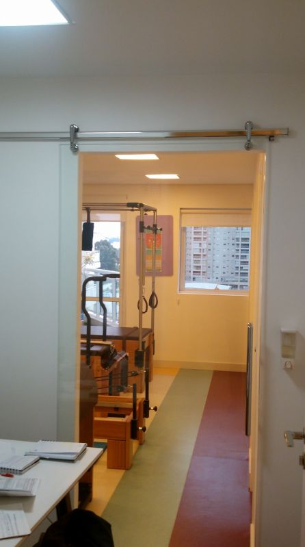 Quanto Custa Porta Pivotante em Vidro no Arujá - Portãozinho de Vidro para Escada
