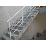 corrimão de alumínio para escada externa no Pacaembu
