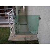 portãozinho de vidro para escada em Itapevi